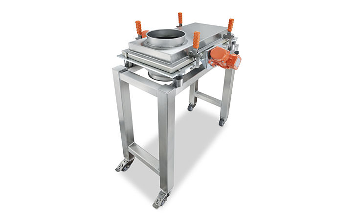 Mobile vibratory sifter
